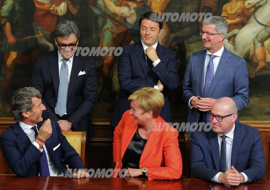 Il Governo Renzi firma l'accordo con Audi: il SUV Lamborghini si farà a Sant'Agata