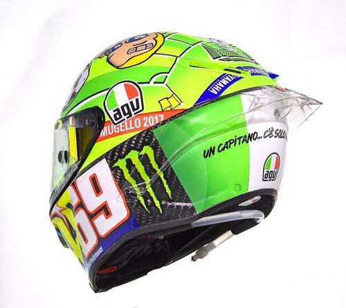 Il casco speciale di Rossi: C'è solo un capitano (3)