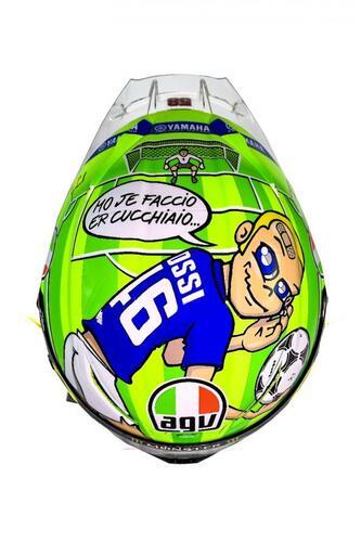 Il casco speciale di Rossi: C'è solo un capitano (9)