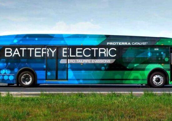 BMW investe nell'elettrico per i trasporti di massa pubblici