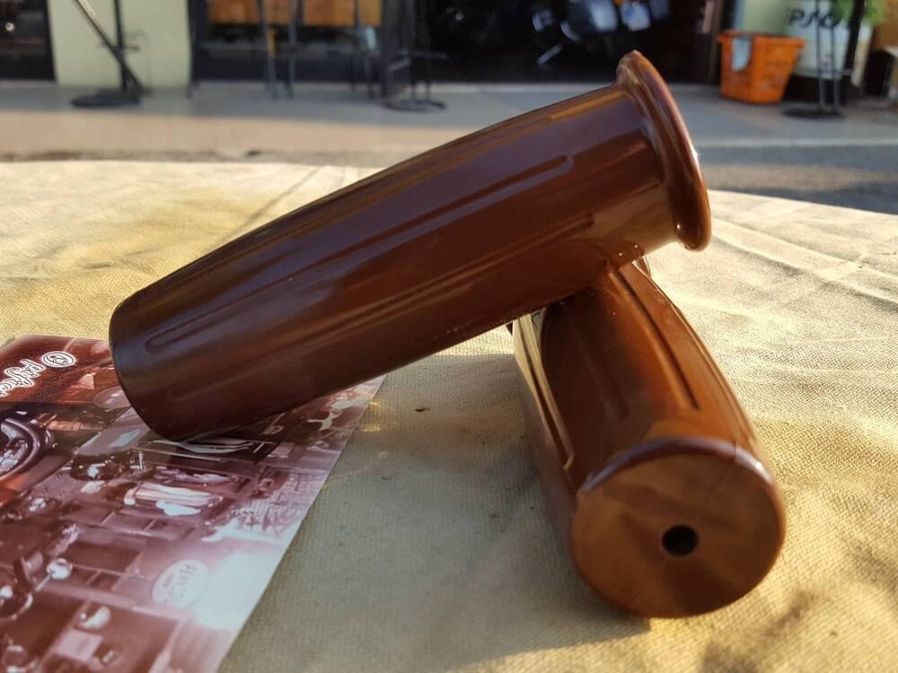 Manopole Biltwell 22mm (2)
