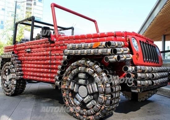 Una Jeep Wrangler costruita con... lattine