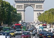 Francia, stop alla vendita di auto a benzina e diesel entro il 2040