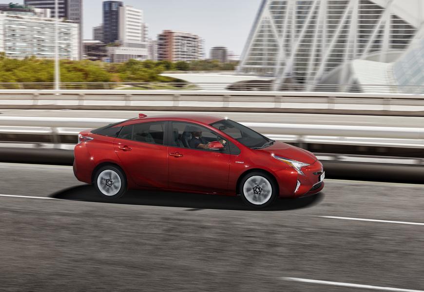 Toyota Prius (2017->>) (3)