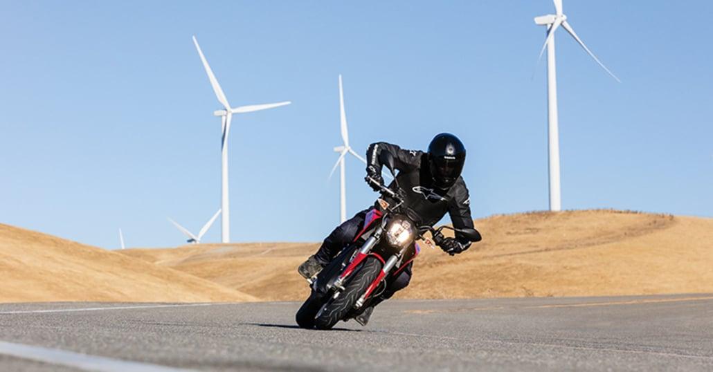 La moto elettrica cresce del 23% in Europa e del 40% in Italia