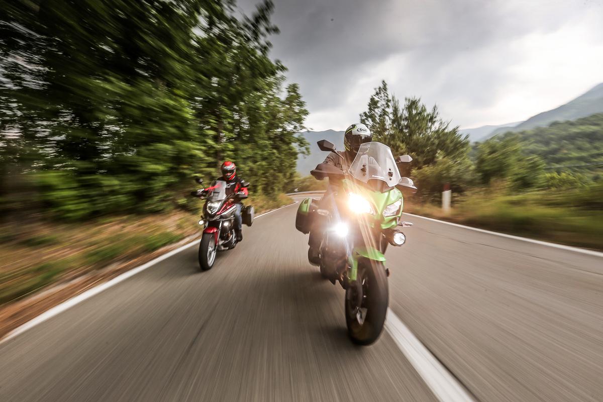 Honda Nc 750x Dct Vs Kawasaki Versys 650 Comparativa Crossover