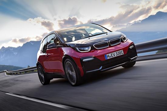 BMW ha uno stand dei maggiori senza dimenticare l'importanza di una elettrica come la rinnovata i3