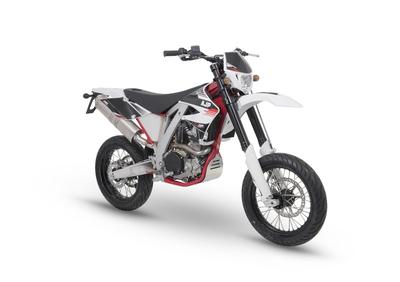 AJP PR5 250 Supermoto