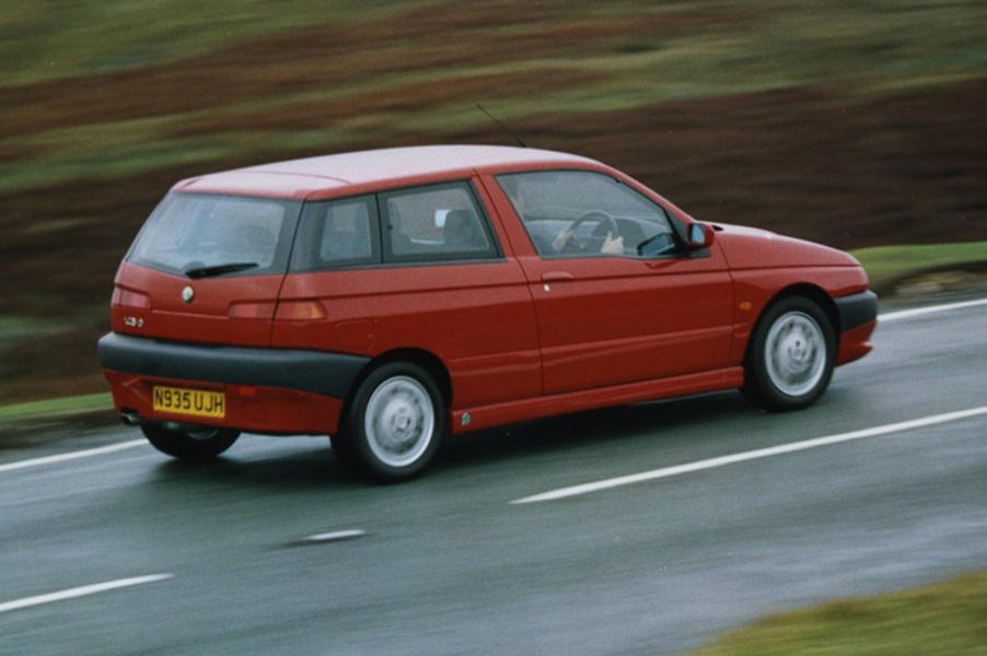 Alfa Romeo 145 (1994-01) (2)