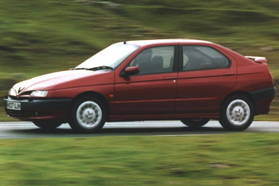 Alfa Romeo 146 (1995-01) (4)