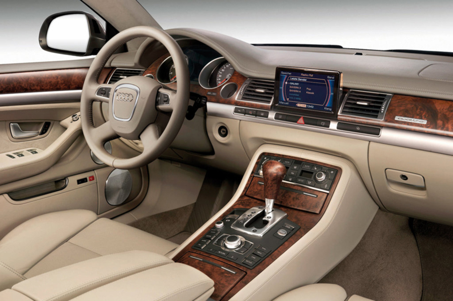 Audi A8 3.2 V6 FSI quattro tiptronic (5)