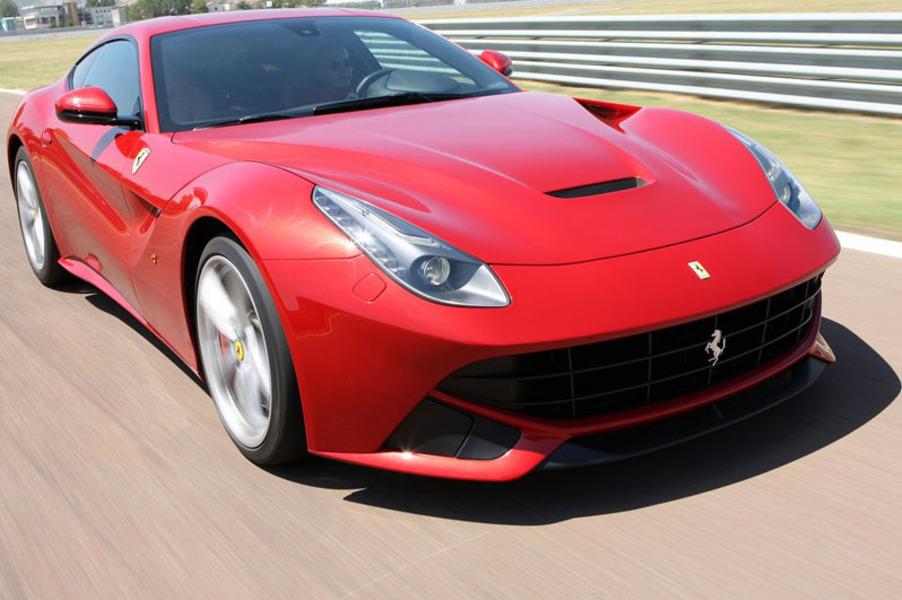 Ferrari F12 Coupé (5)