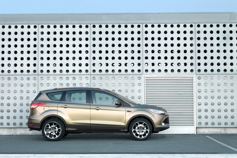 Ford Kuga (2012->>) (2)