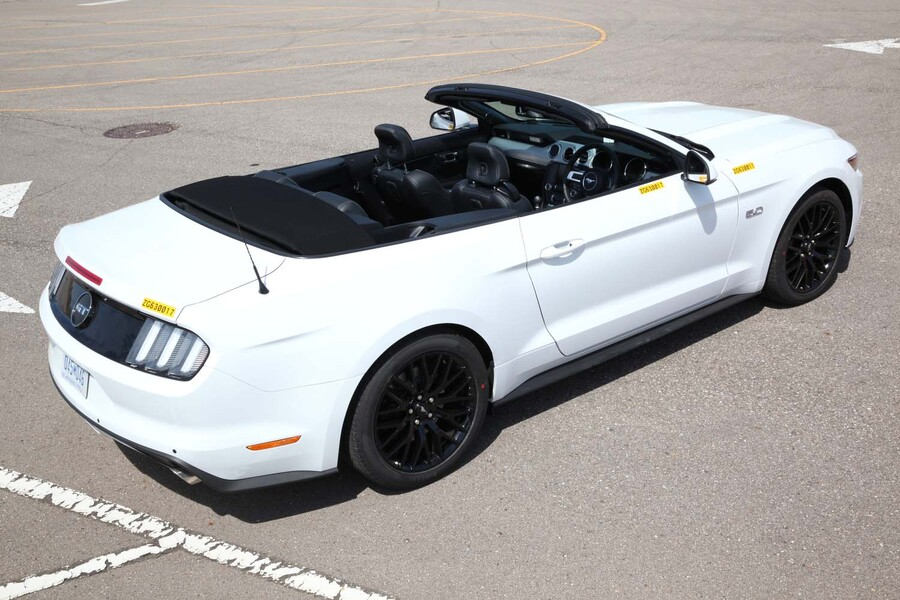 Ford Mustang Cabrio (3)
