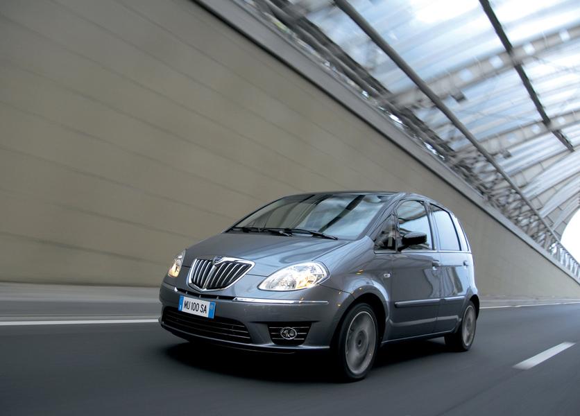 Lancia musa 1 4 platino ecochic gpl 05 2009 01 2010 prezzo e scheda tecnica - Lancia y diva 2010 scheda tecnica ...