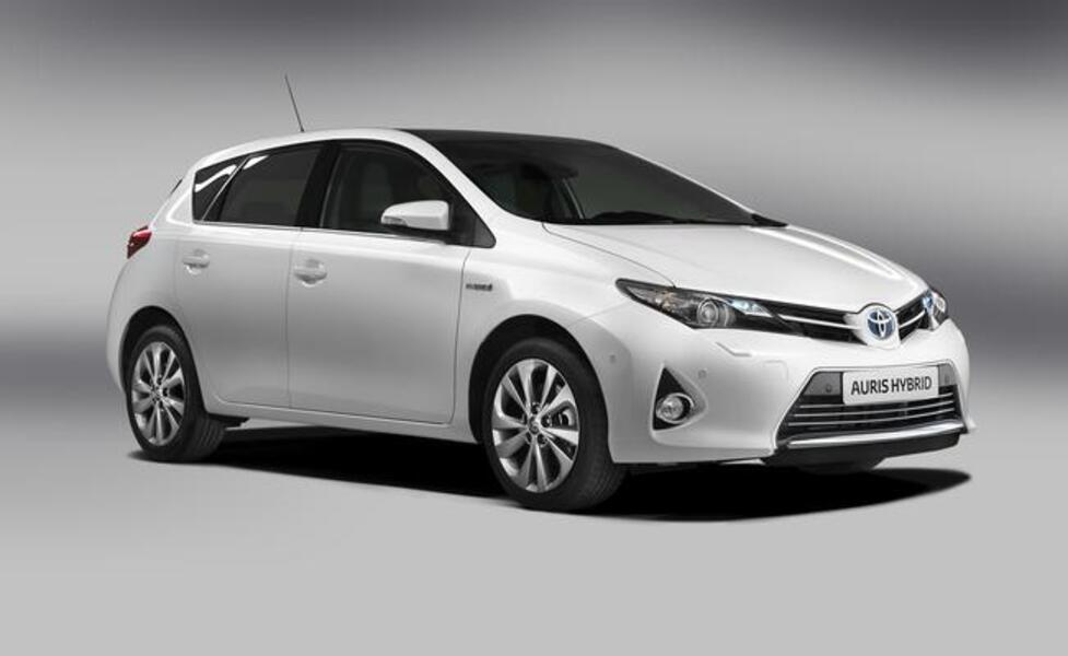 Toyota Auris 1.8 Hybrid Business (3)