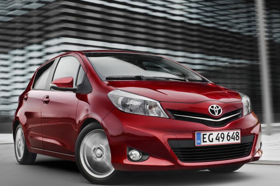 Toyota Yaris (2011->>) (2)