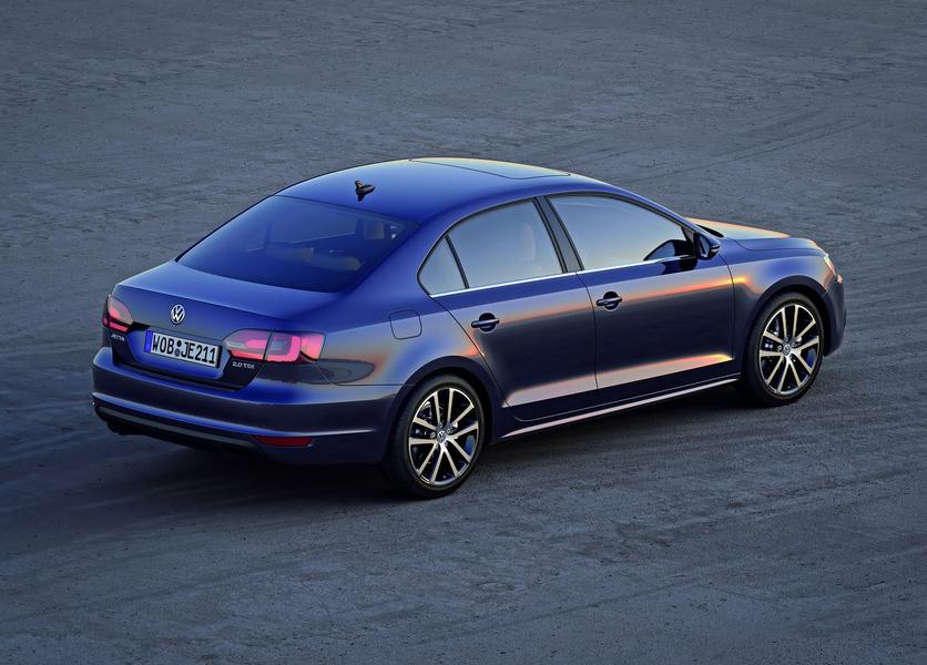 Volkswagen Jetta (2011-12) (4)