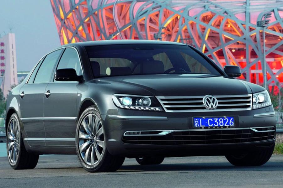 Volkswagen Phaeton V8 4MOTION tiptronic 5 posti (2)
