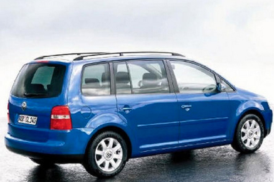 Volkswagen Touran 16V FSI Highline (4)