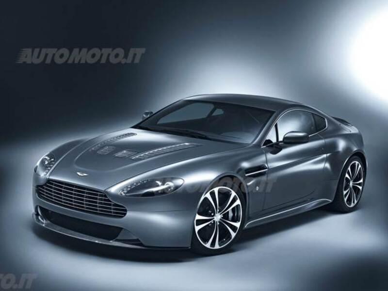 Aston Martin V12 Coupé Vantage Coupé