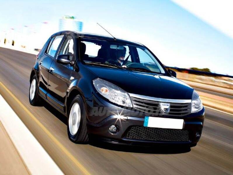 Dacia Sandero 1.4 8V GPL Lauréate Usate ERCOLANO - Annunci ...