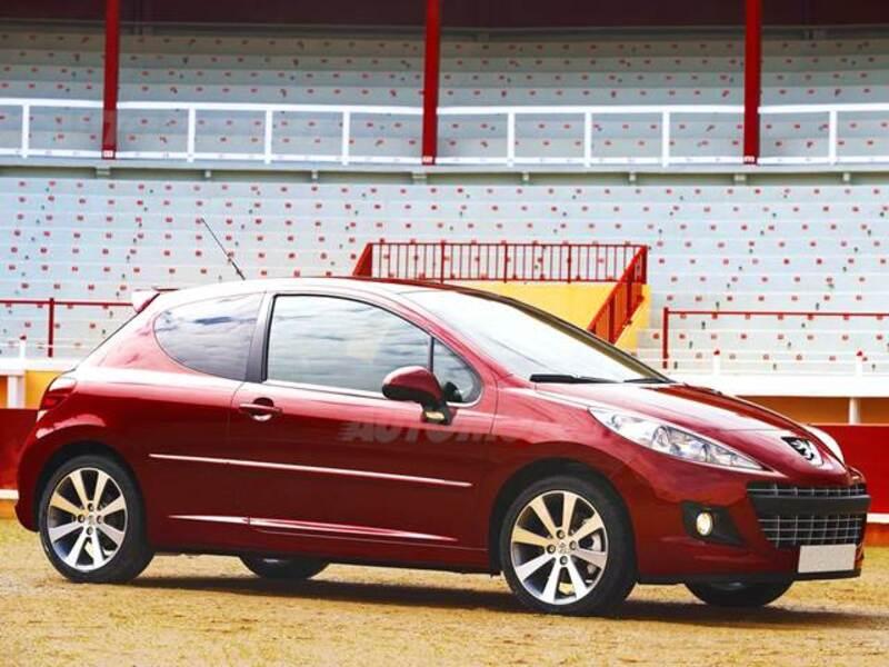 Peugeot 207 HDi 70CV 3p. Allure