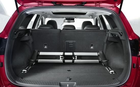 Il vano bagagli della i30 wagon, che può arrivare sino ai 1650 litri