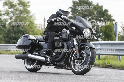 Foto Spia: Moto Guzzi California Bagger (4)
