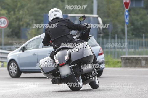 Foto Spia: Moto Guzzi California Bagger (7)