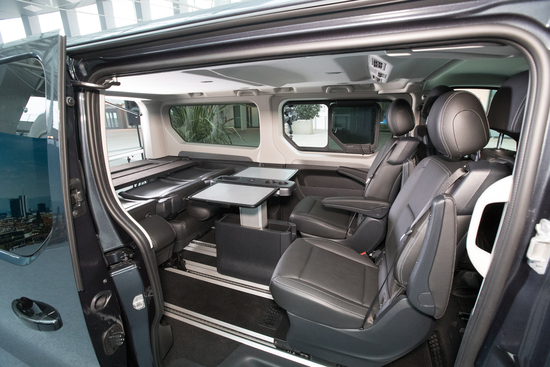 nuovo renault trafic spaceclass viaggiare in business news. Black Bedroom Furniture Sets. Home Design Ideas