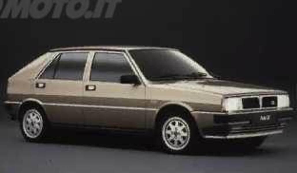 lancia delta lx (05/1986 - 07/1989): prezzo e scheda tecnica