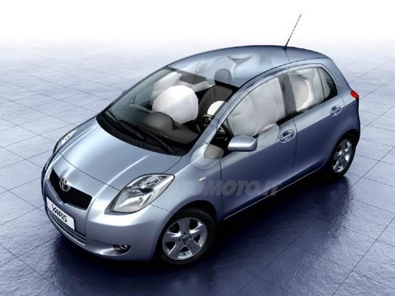 Toyota Yaris 1.3 5 porte Luna