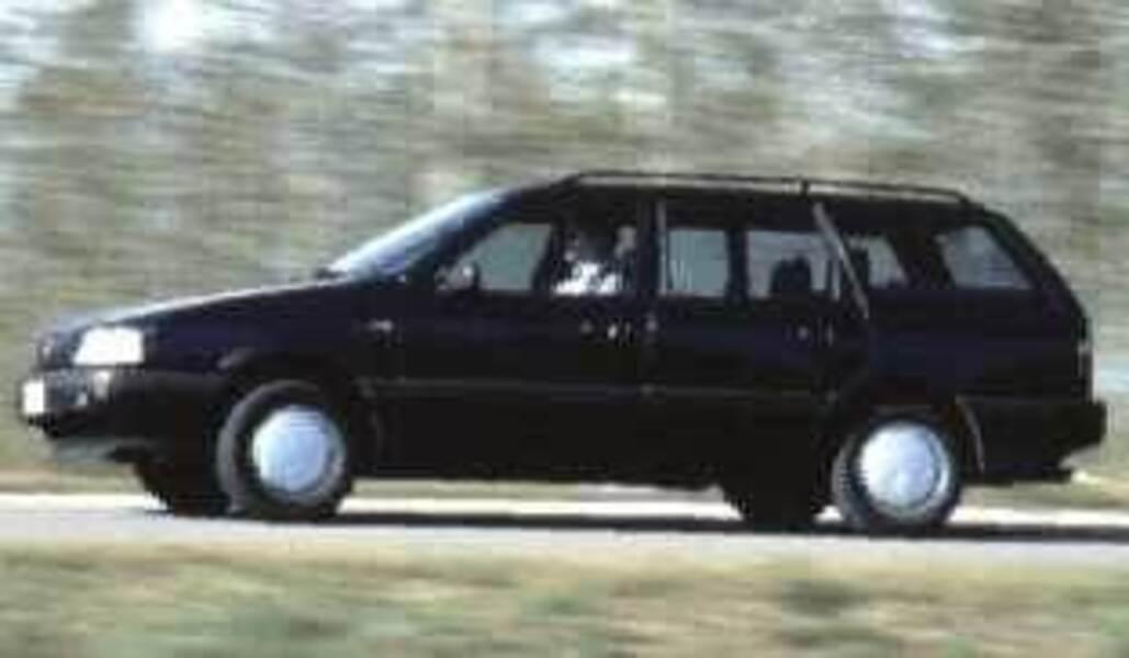 Volkswagen Passat Variant 1.8i cat GL
