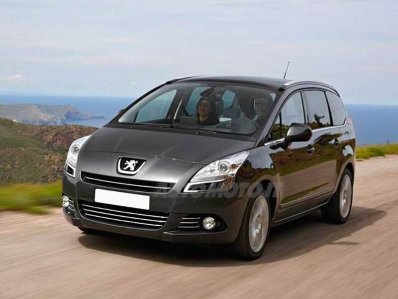Peugeot 5008 1.6 e-HDi 112CV Stop&Start cambio robotizzato Féline