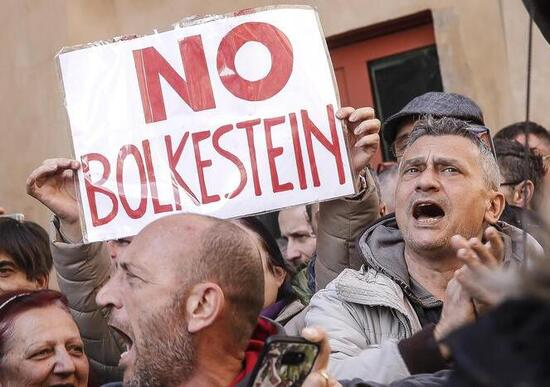 Gli ambulanti sfilano contro la Bolkestein