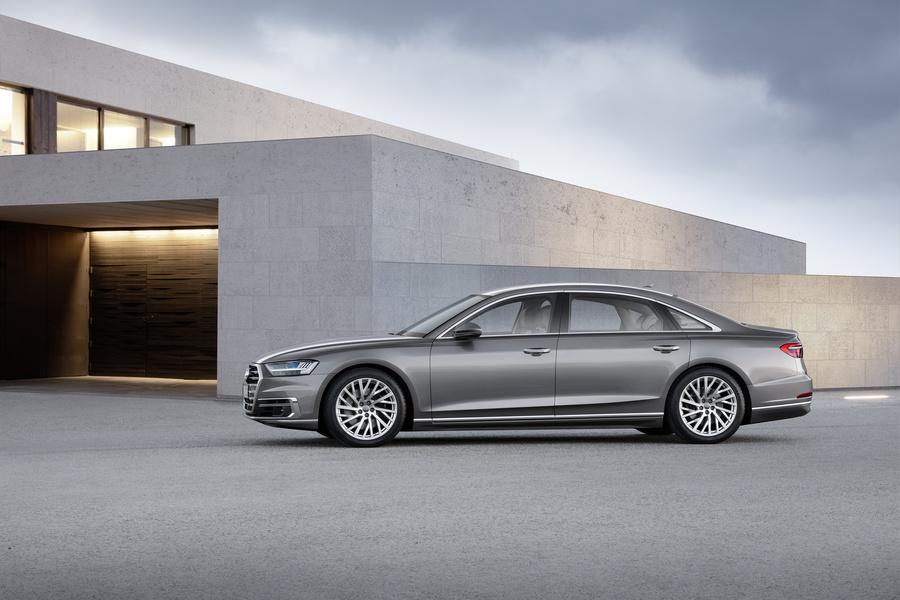 Audi A8 (5)