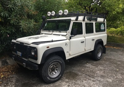 Land Rover Defender 110 2.5 Td5 cat Station Wagon del 1999 usata a Genova usata
