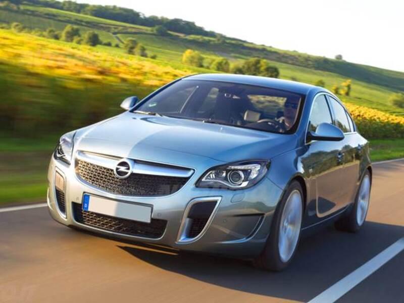 Opel Insignia Turbo 4x4 325CV 4 porte OPC
