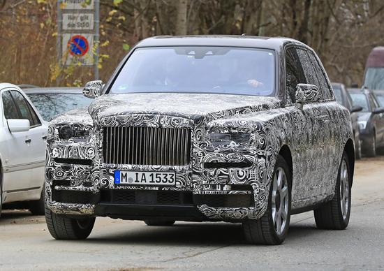 Rolls Royce Cullinan sempre più vicino il nuovo SUV