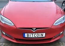 Bitcoin: c'è chi usa una Tesla per guadagnarli