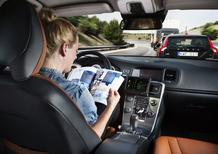Guida autonoma? Il 50% degli italiani preferisce guidare