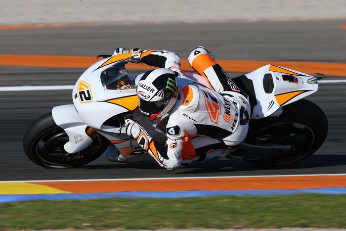 Alex Rins durante i test di Valencia