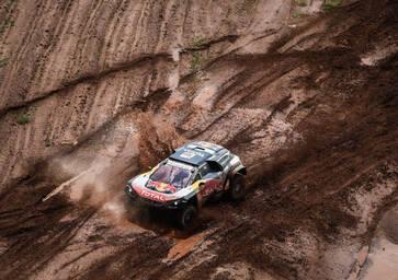 Dakar 2018. Rischio squalifica per Peterhansel e Sainz
