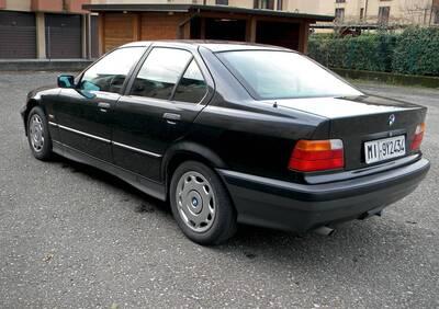 318I d'epoca del 1992 a Gessate