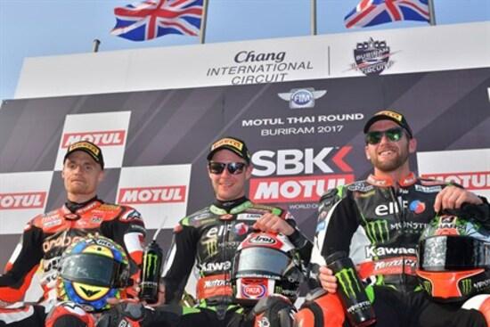 Il podio SBK di gara 1 a Buriram l'anno scorso