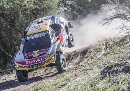 Dakar 2018. Brabec, Ten Brinke, Villagra out, Walkner (KTM) e Sainz (Peugeot) a un passo.