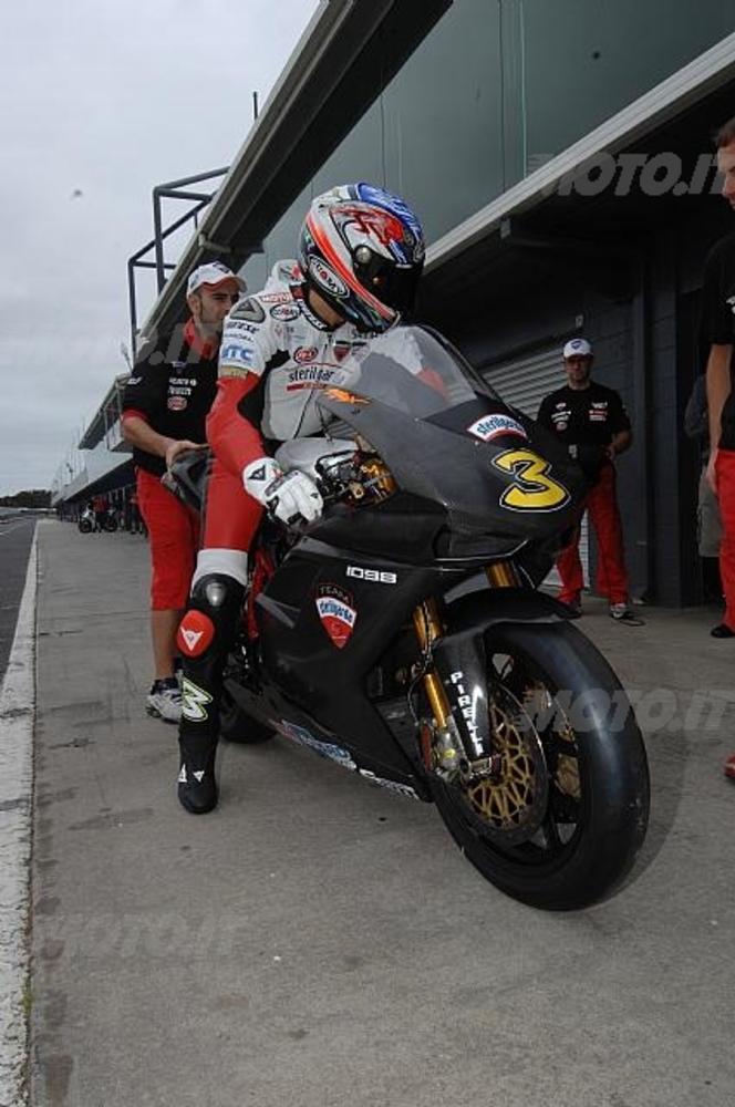 Max Biaggi su Ducati 1098R