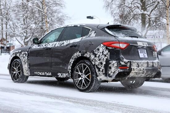 Maserati Levante GTS in test 2018 sulla neve