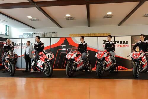 Il Team Barni Racing presenta la Ducati Panigale V4 che porterà al  National Trophy (2)